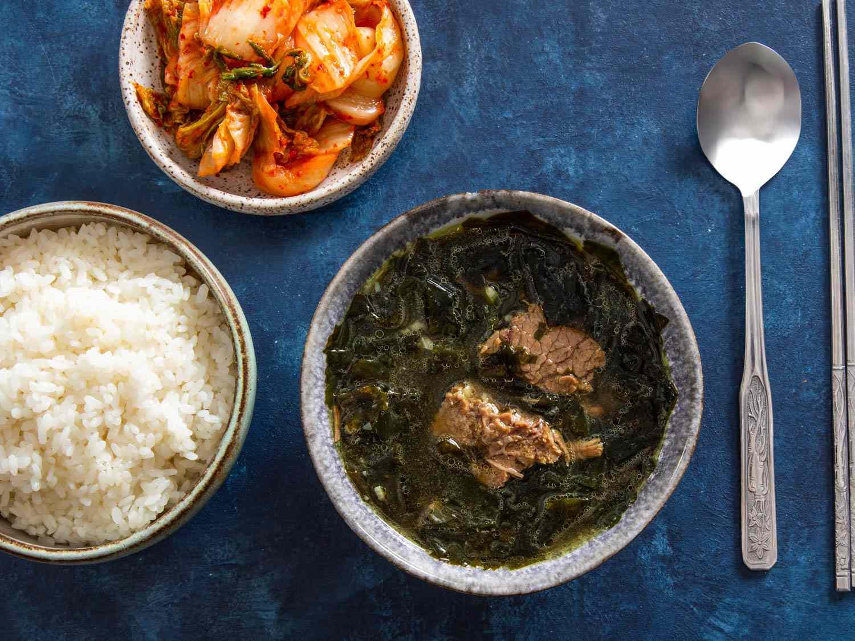 20200128-miyeok-guk-korean-seaweed-soup-vicky-wasik-6