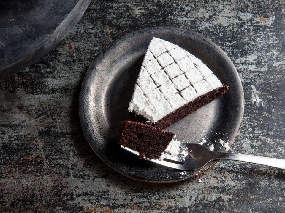 20190227-chocolate-olive-oil-cake-vicky-wasik-20