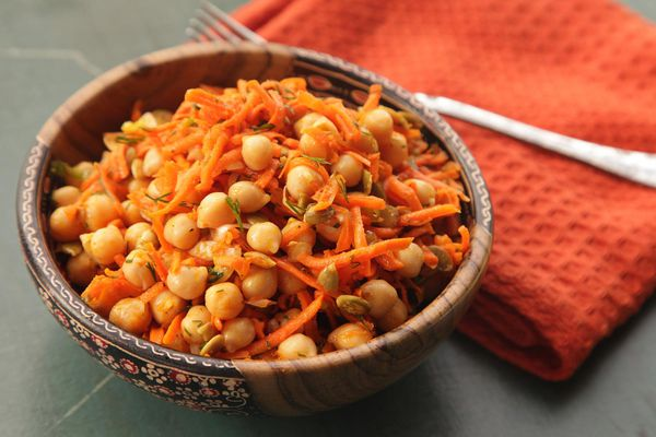 20141022-chickpea-carrot-dill-salad-1.jpg
