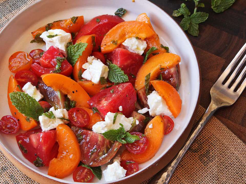 20150728-easy-summer-apricot-tomato-feta-mint-salad-2.jpg