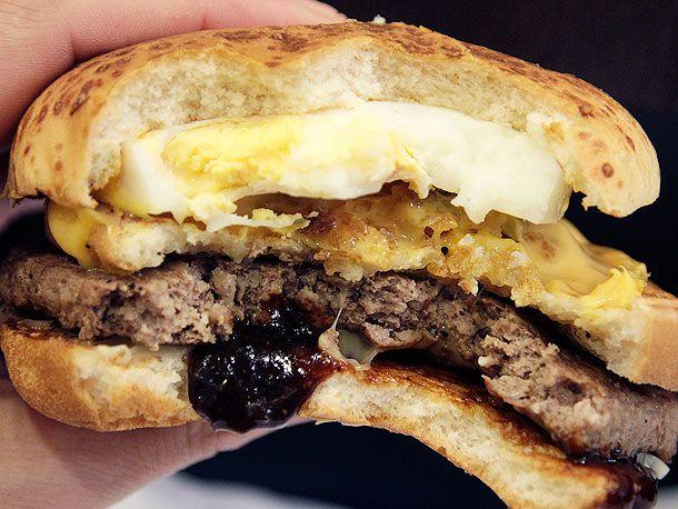 20120118-mcdonalds-japan-big-america-burger-wacky-4.jpg