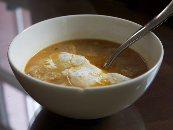 20100505_dt_garlic_soup1.jpg