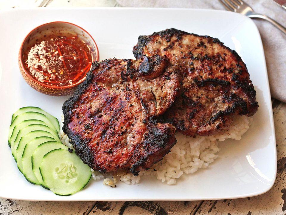 20160801-vietnamese-pork-chop-grill-16.jpg