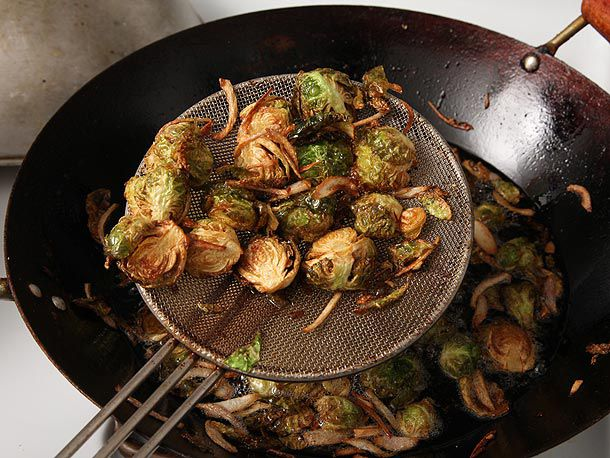 20121024-brussels-sprouts-fried-4.jpg