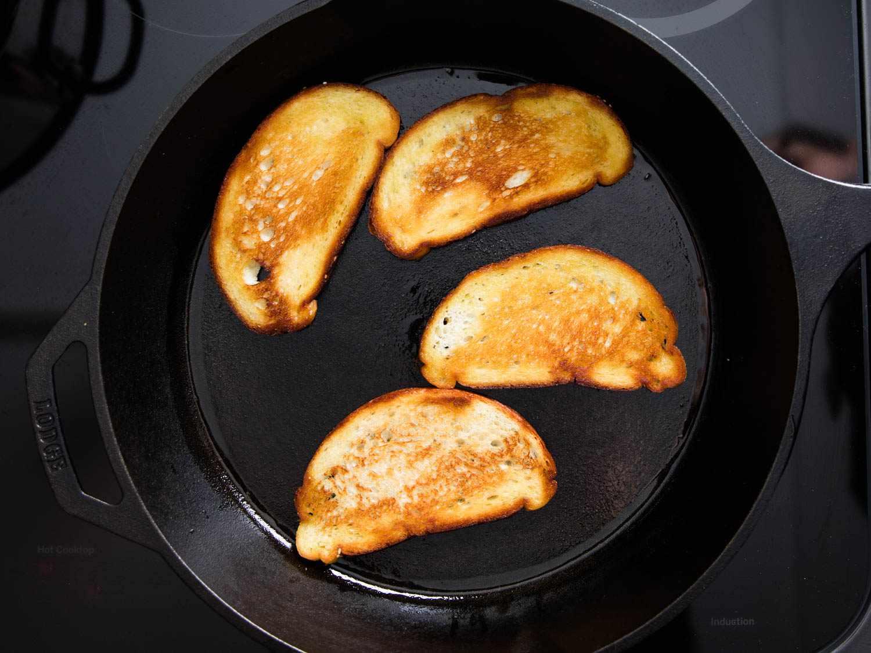 20160301-mortadella-mozzarella-grilled-cheese-vicky-wasik-2.jpg
