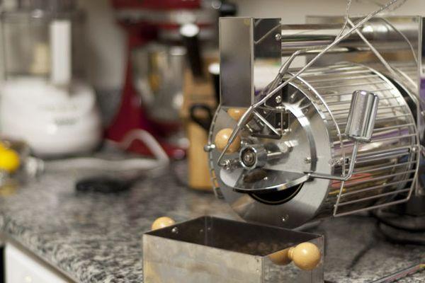 20131210-quest-roaster-in-kitchen.jpg