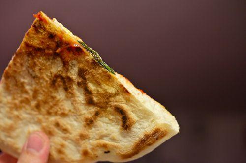 20100909-pizzology-neapolitan-pizza-07.jpg