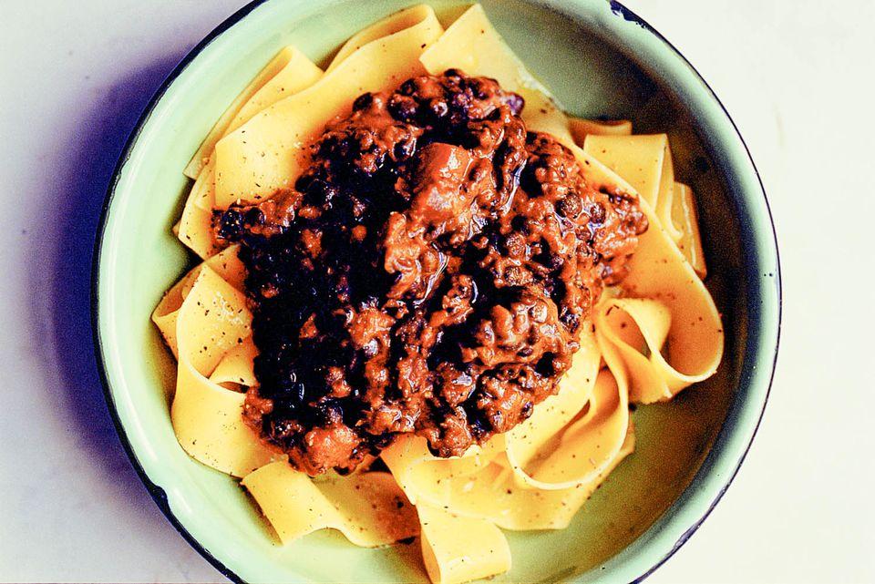 20140930-eat-lentil-bolognaise-jonathan-lovekin.jpg