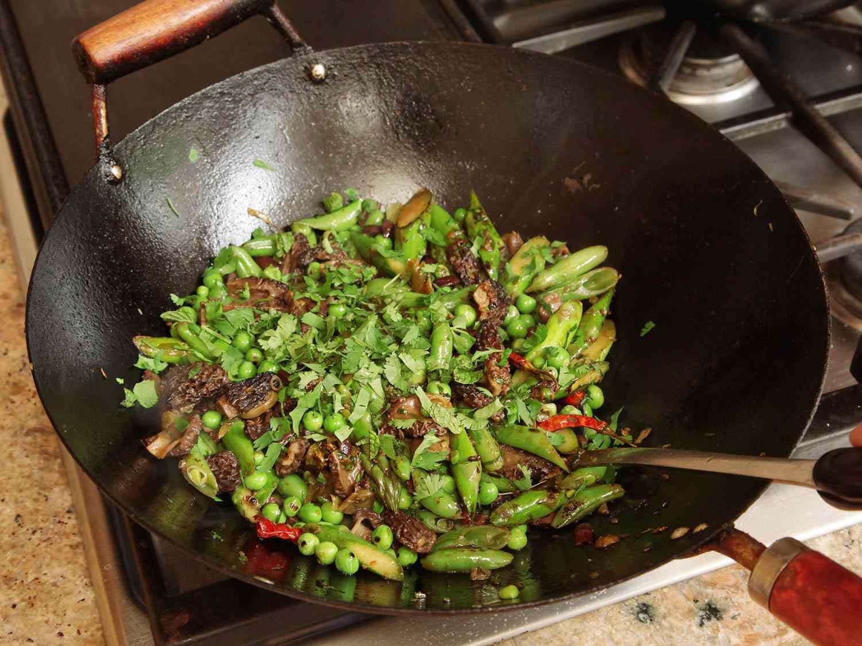 20160504-stir-fry-spring-vegetable-olive-recipe-09.jpg