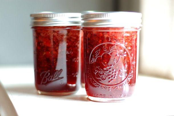 20110601-154240-strawberry-balsamic-thyme-jam-1.jpg