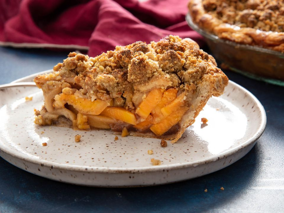 20201031-sweet-potato-apple-pie-vicky-wasik-24