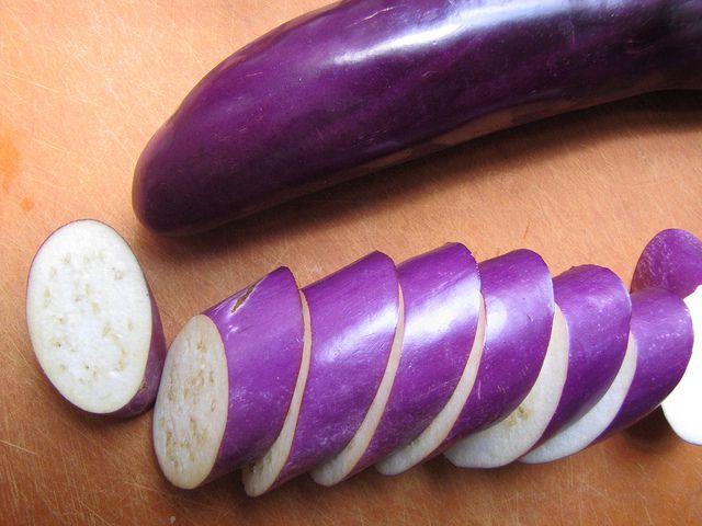 20130731-braised-eggplant-sliced.jpg