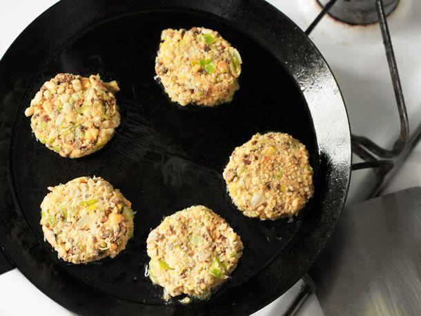 20120325-veggie-burgers-2-13.jpg