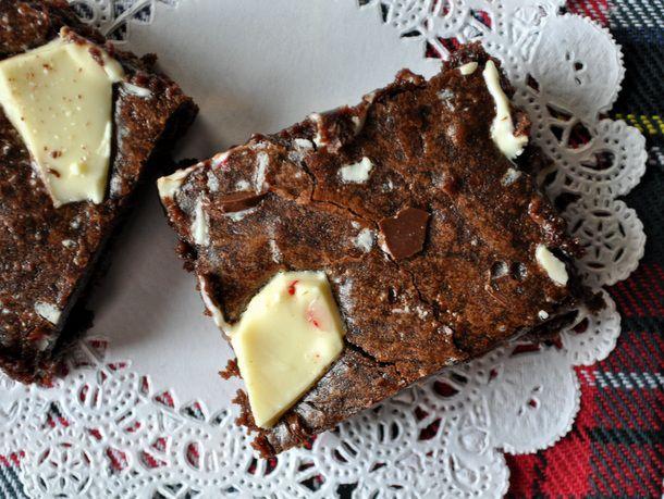 20121127-cookiemonster-peppermint-bark-brownies.JPG