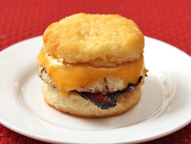 20130506-popeyes-breakfast-sandwich-09.jpg