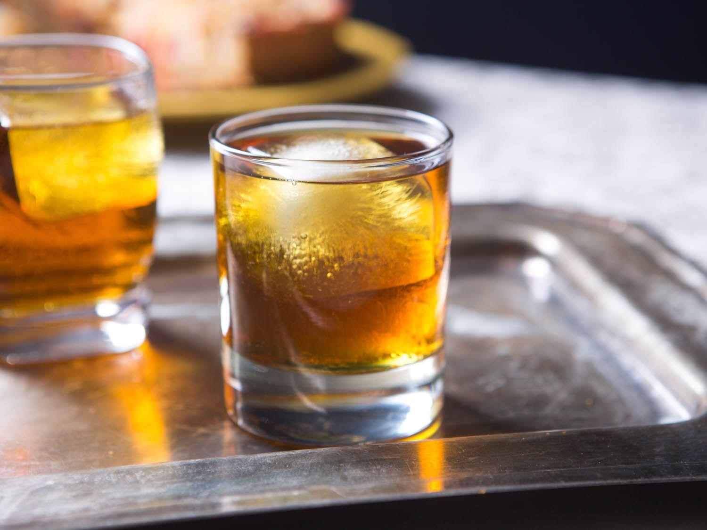 20161206-winter-cocktail-recipes-roundup-07.jpg