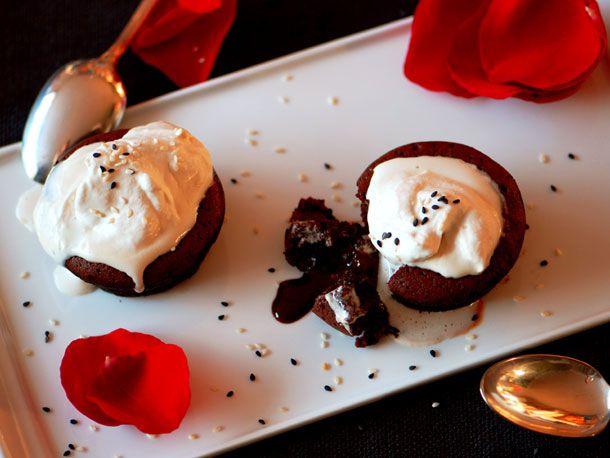 20110209-127677-Serious-Sweets-Lava Cakechocolatepairing.jpg