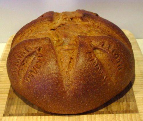 22100414-breadbaking.jpg