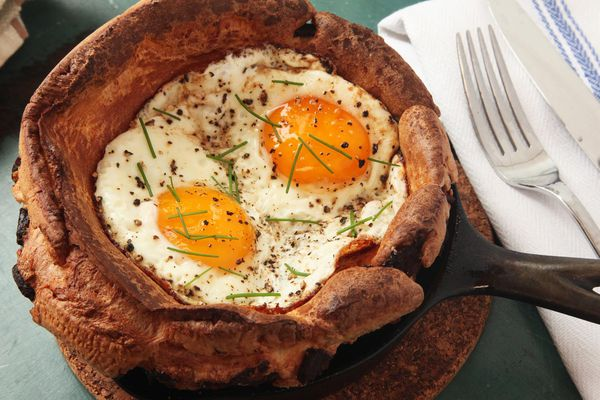20151223-eggy-puds-yorkshire-pudding-eggs-bacon-kenji-4.jpg