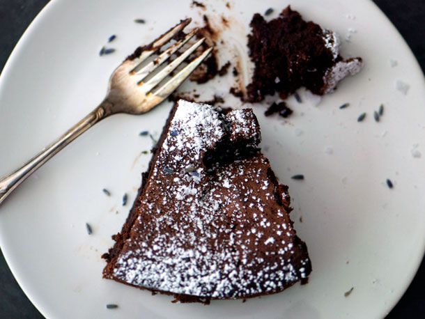 20121113-127677-Earl-Grey-Lavender-Chocolate-Cake-PRIMARY.jpg