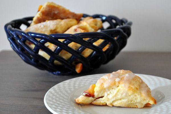 20120719-wake-and-bake-mini-peach-scones-primary.JPG