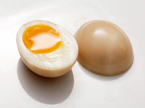 20120301-tonkotsu-ajitsuke-tamago-marinated-egg-5.jpg