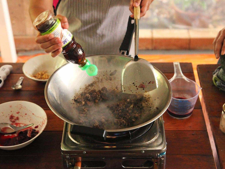 20140707-small-house-thai-cooking-school-larb-moo-muang-4.jpg