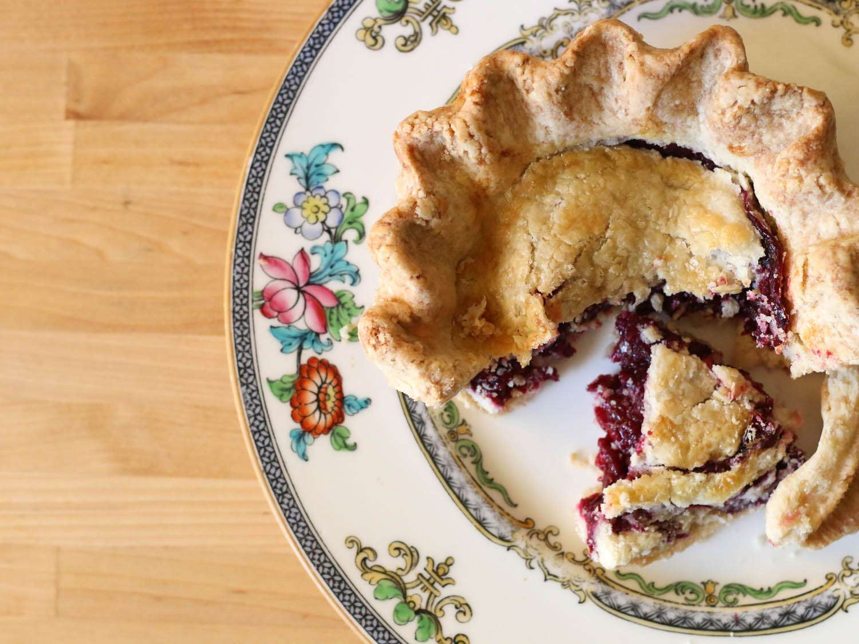 20140727-berry-guide-tayberry-pie-jennifer-latham.jpg