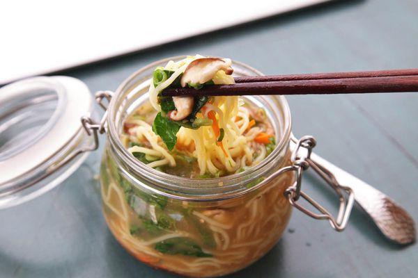20140929-instant-noodles-diy-recipe-sesame-miso-vegetable-15.jpg