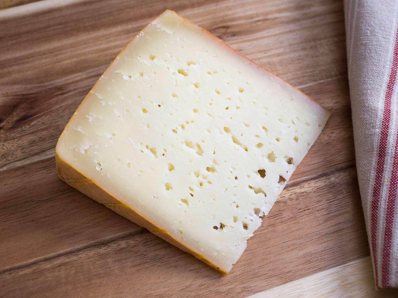20150324-sheep-cheese-roncal-vicky-wasik-2.jpg