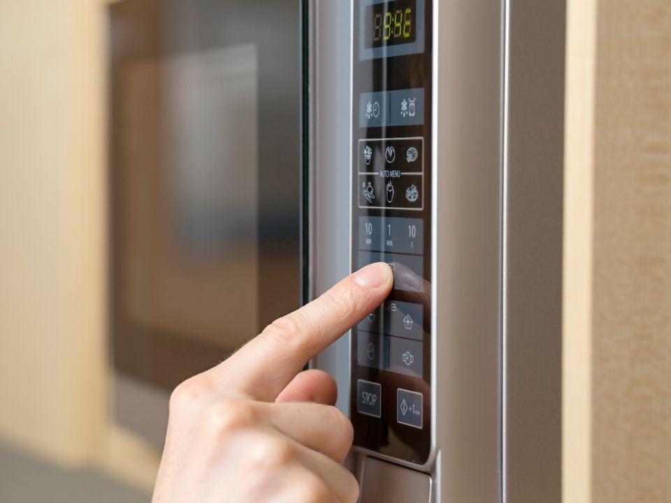 20151027-microwave-shutterstock-2.jpg
