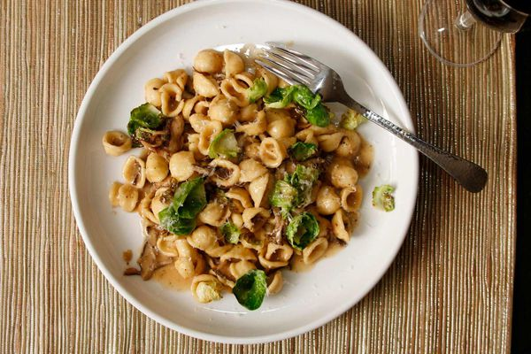 20131014-pasta-orrechiette-brussels-sprouts-mushrooms-recipe--resized