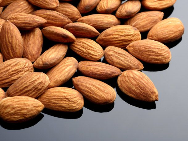 20140211-valentines-day-almonds.jpg