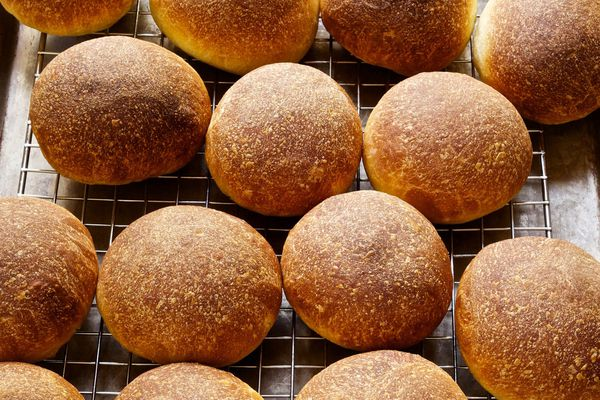 20140730-ideas-in-food-Cooling-Beef-Fat-Oil-Brushed-Rolls.jpg