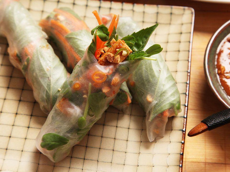 20160221-pea-shoot-crispy-tofu-spring-roll-kenji-14.jpg