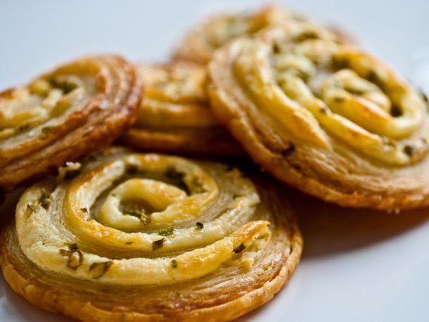 20110518-152328-cream-cheese-chive-pinwheels.jpg