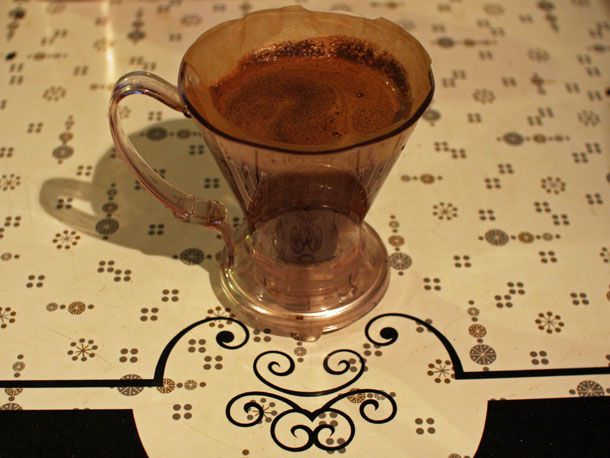081711-166238-coffee-how-to-brew-clever-dripper-primary-1.jpg