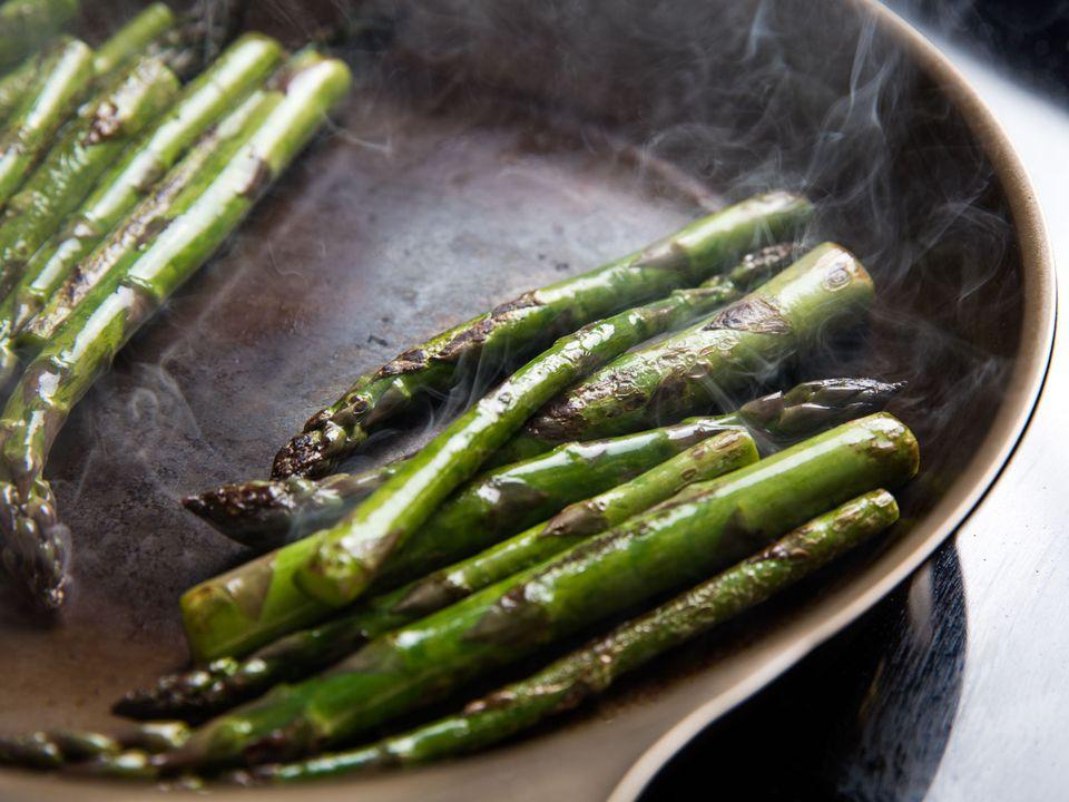Asparagus sautéing