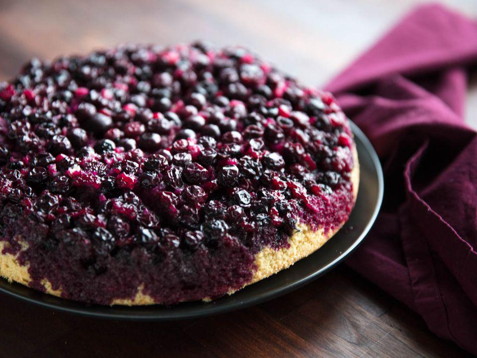 20180409-blueberry-upside-down-cake-vicky-wasik-19