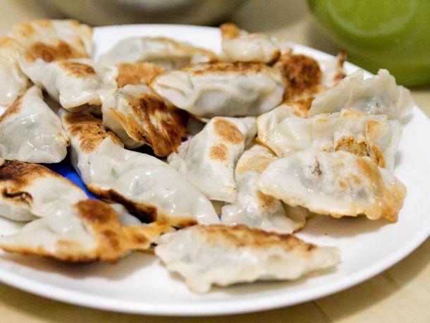 20121005-chichis-chinese-fried-dumpling-plate.jpg