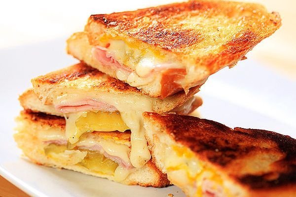20120411-grilled-cheese-variations-31-thumb-600x458-232473.jpg