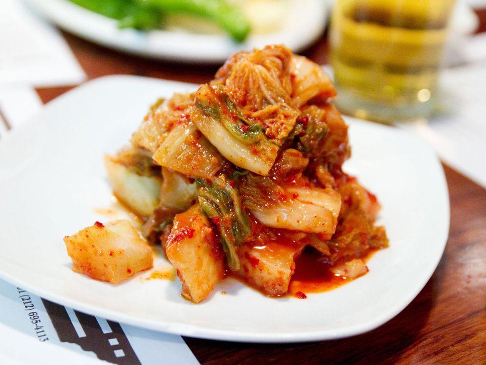 20130523-ktown-crawl-gahm-mi-oak-kimchi-robyn-lee.jpg