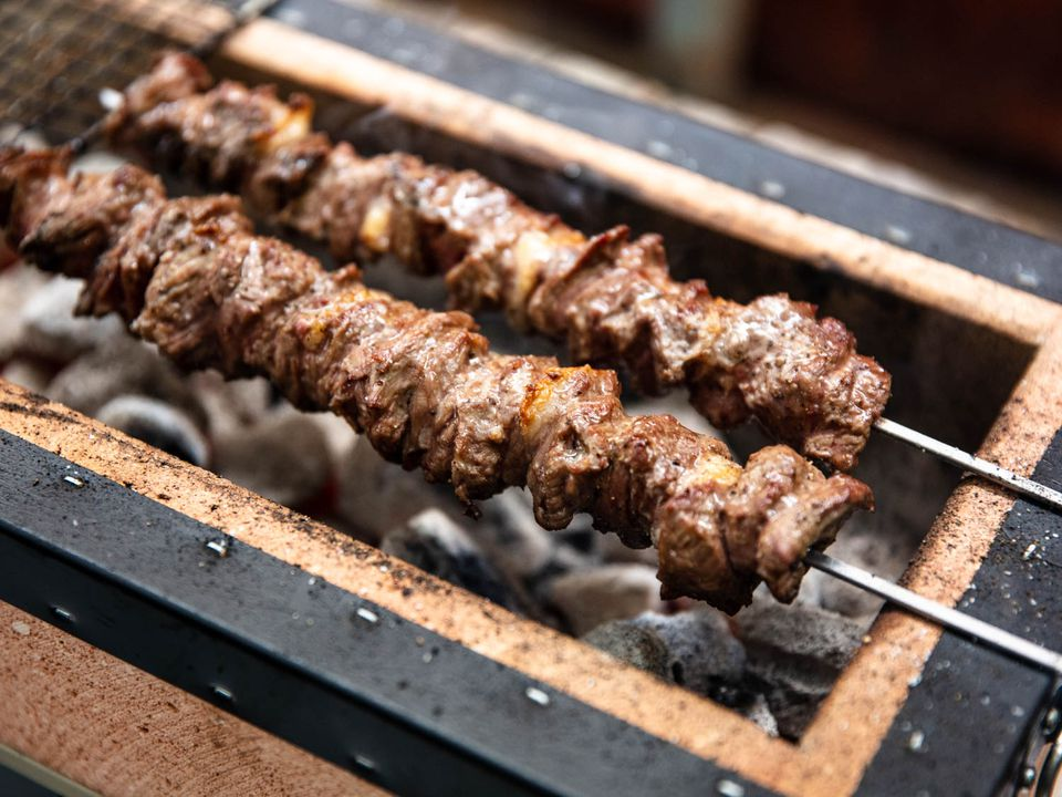 20190618-grilled-arrosticini-lamb-skewers-vicky-wasik-2