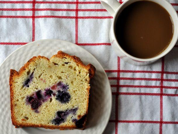 20120713-wake-and-bake-blueberry-lemon-poundcake.JPG