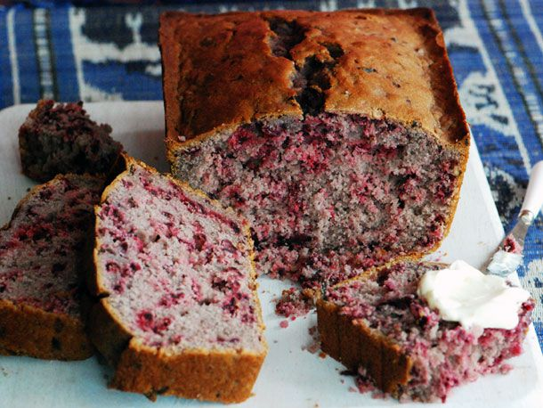 20120501-127677-LTE-Hibiscus-Cake-PRIMARY.jpg