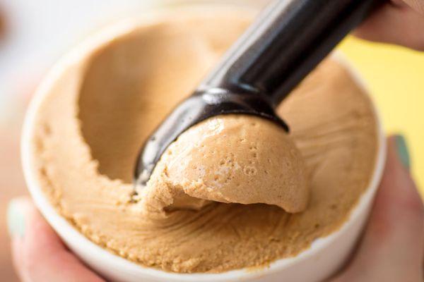 20170413-biscoff-ice-cream-vicky-wasik-20.jpg