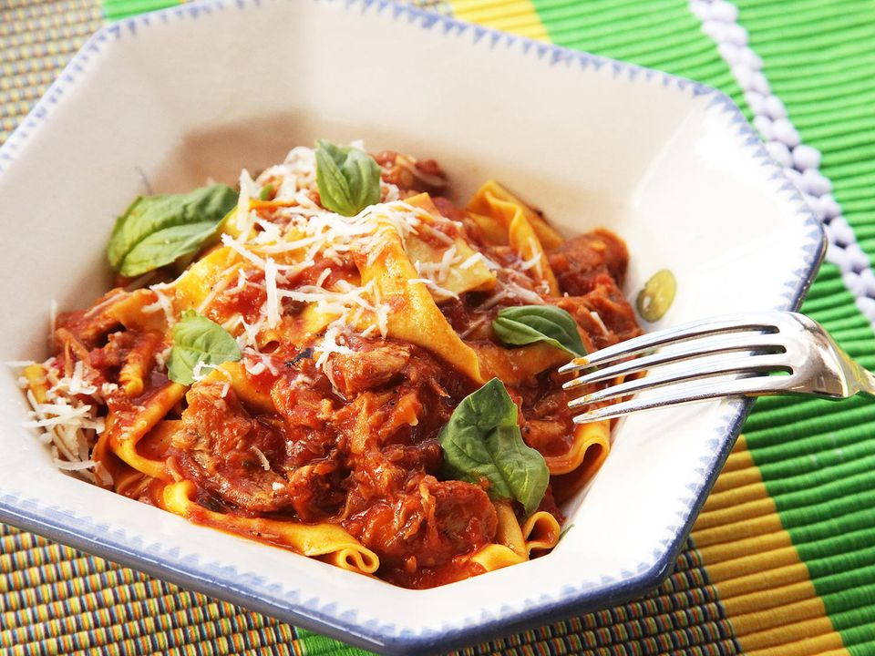 20150114-ragu-napoletana-neapolitan-meat-sauce-pork-beef-sausage-italian-recipe-1.jpg