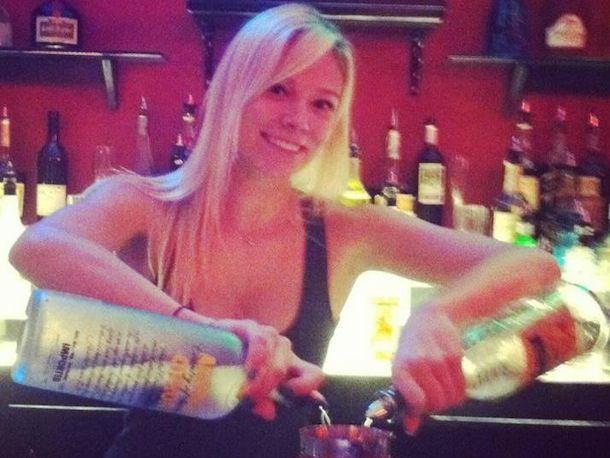 20131111-bartender-Kelsye Downs _Bartender.jpg