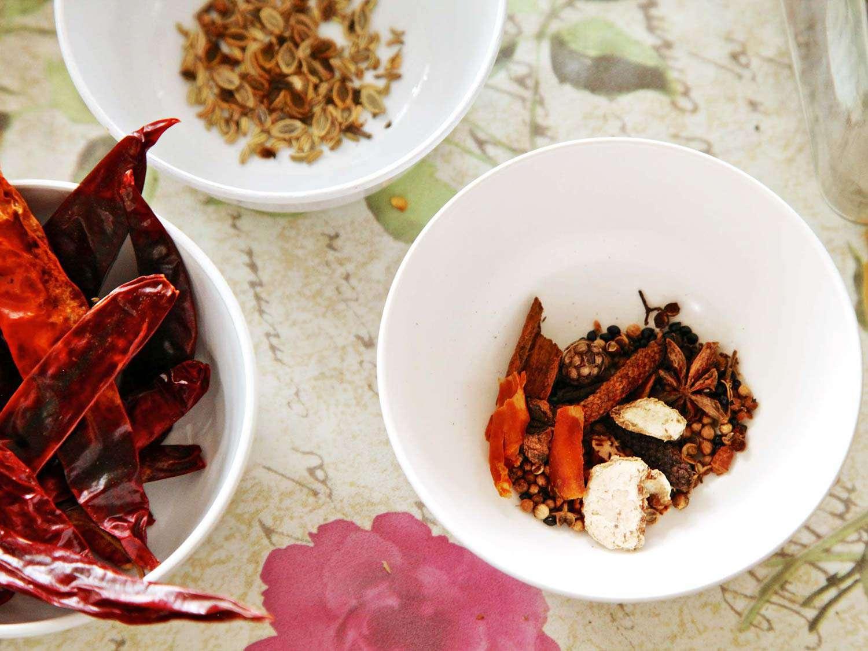 20140707-small-house-thai-cooking-school-yum-jin-gai-1.jpg