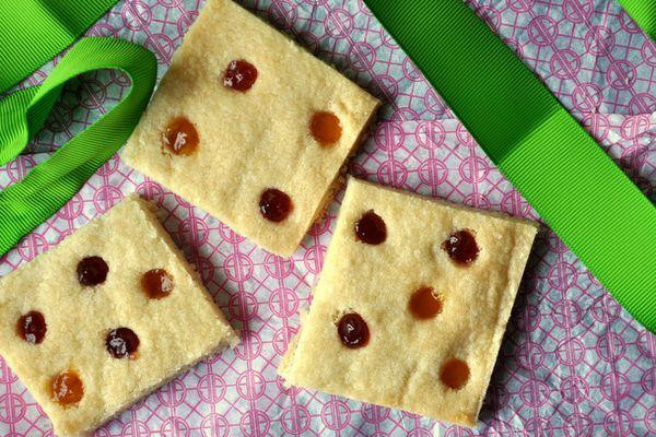 20130506-cookiemonsterpolkadotshortbread.JPG
